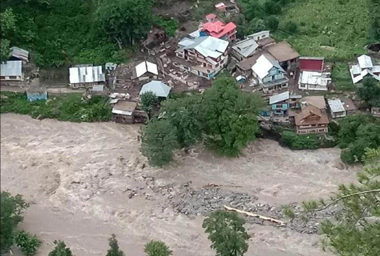 जम्मू-कश्मीर के किश्तवाड़ में बादल फटने से पांच की मौत