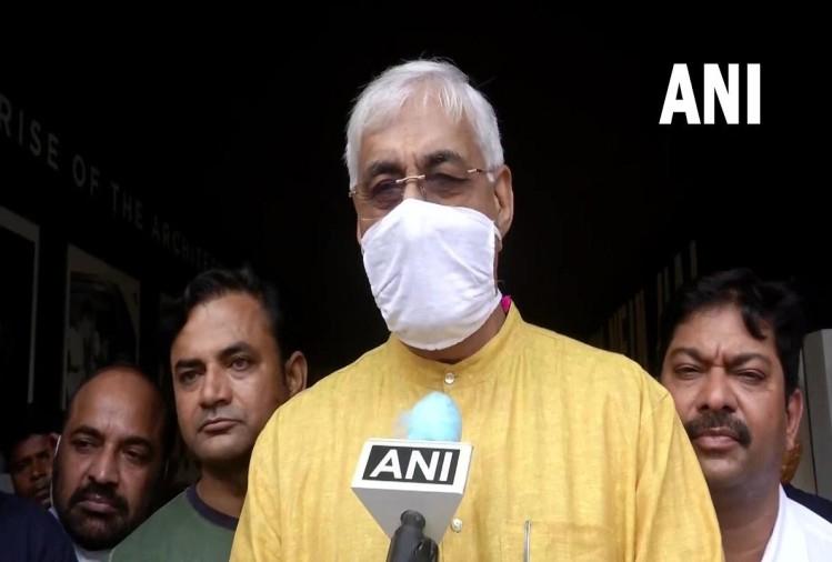 छत्तीसगढ़ में घमासान: स्वास्थ्य मंत्री टीएस सिंहदेव अचानक पहुंचे दिल्ली