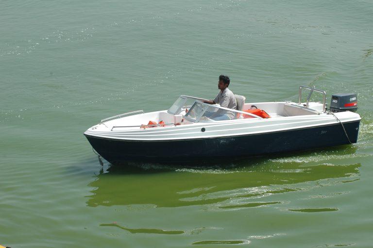 नाव पलटने से हुआ बड़ा हादसा